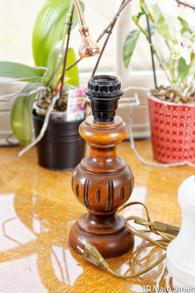 Pied de lampe rustique en bois