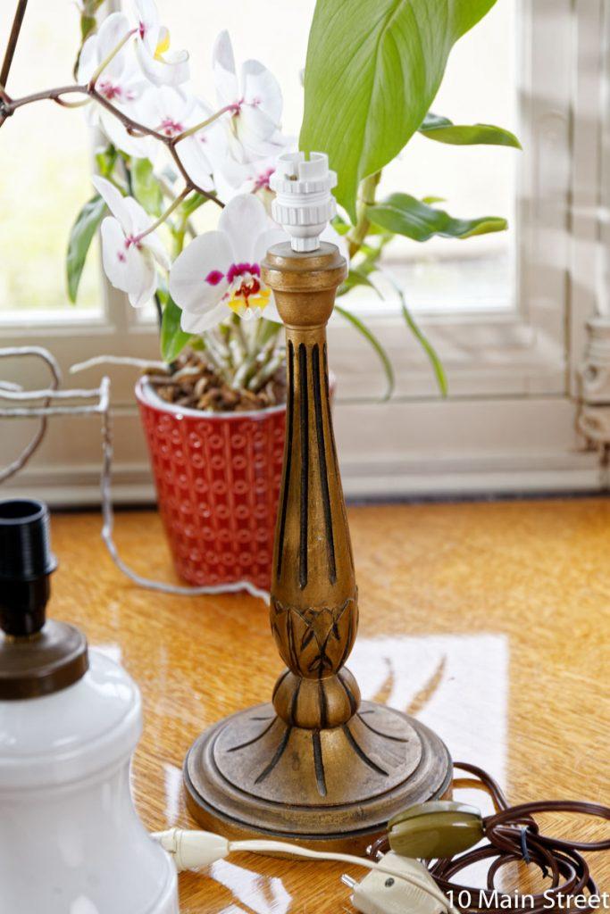 Pied de lampe vintage en bois doré