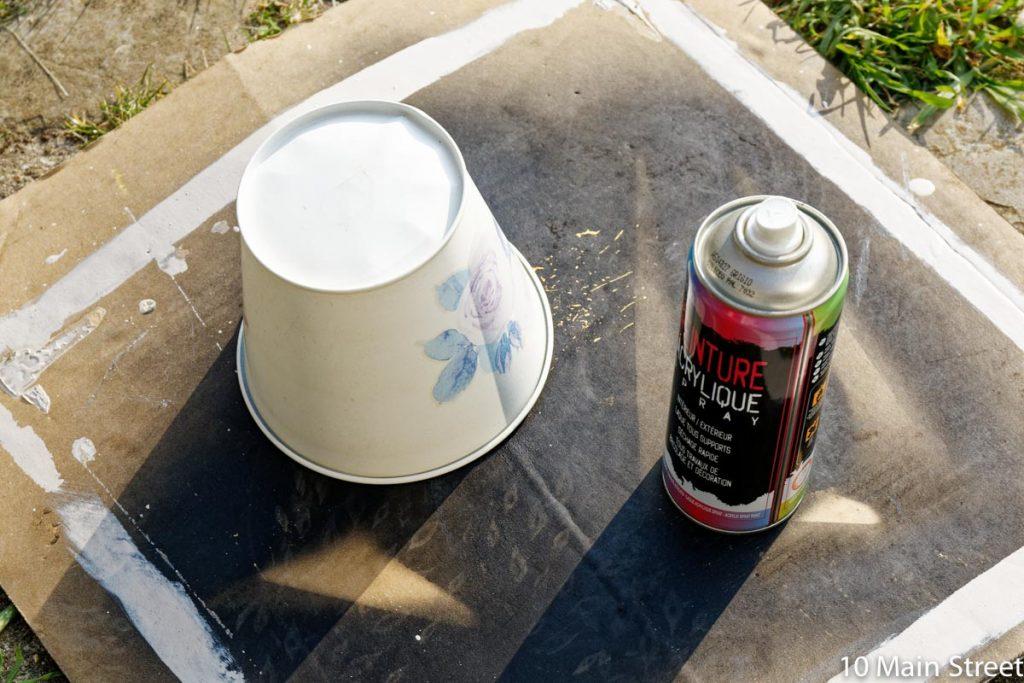 Passage du cache-pot à la bombe blanc cassé
