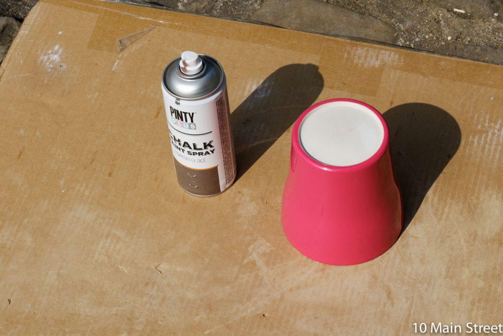 Bombe de peinture marron glacé de chez Pinty
