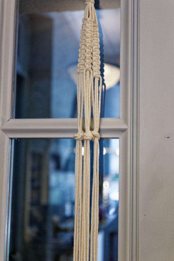 Gros noeud sur chaque chaîne