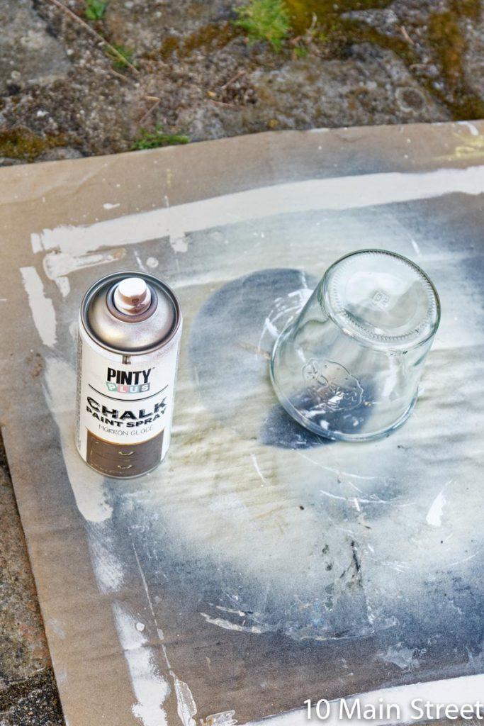 Bombe de peinture Pinty