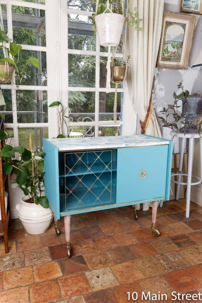 Bar vintage en formica relooké en bleu