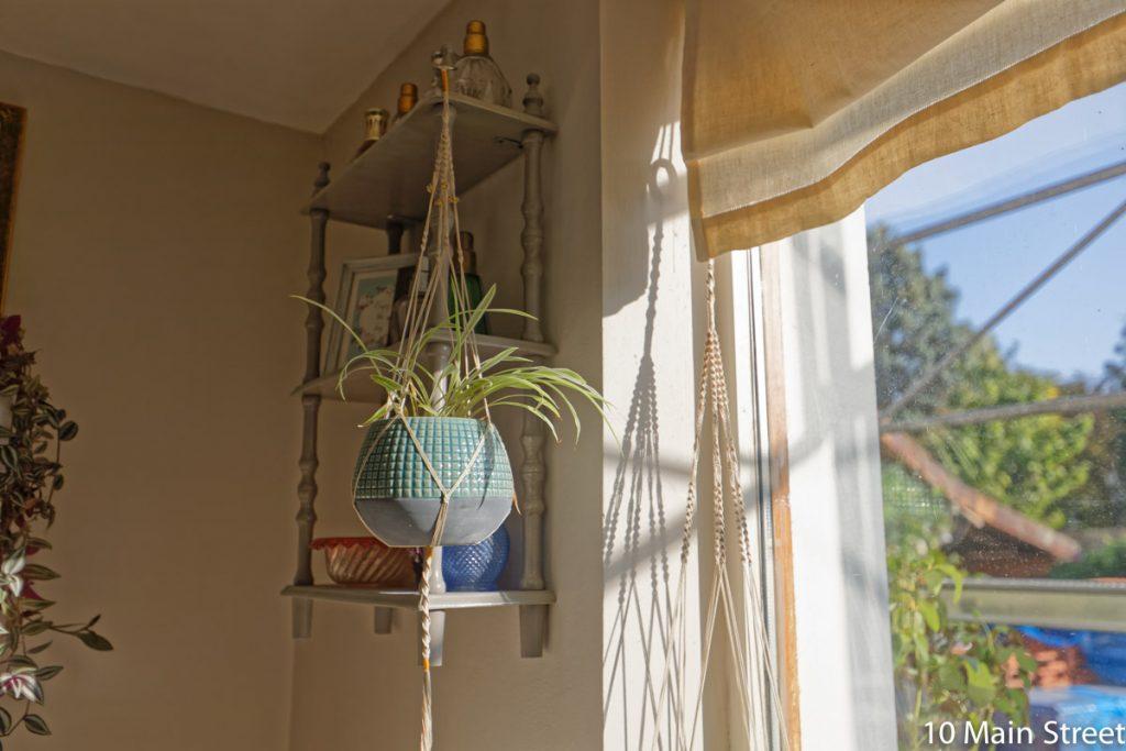 cadeaux DIY pour amateurs de plante : la suspension en macramé