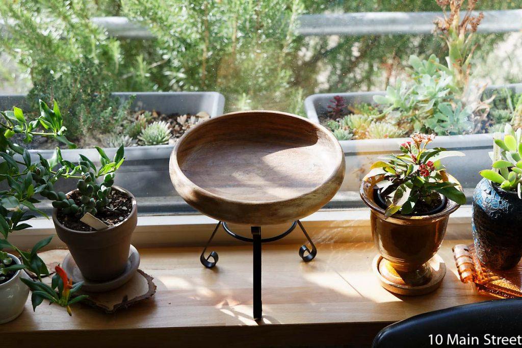 Support à plante fabriqué à partir d'un photophore et d'un bol en bois