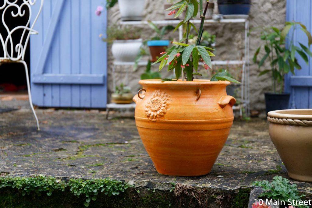 Le cache-pot orange à relooker