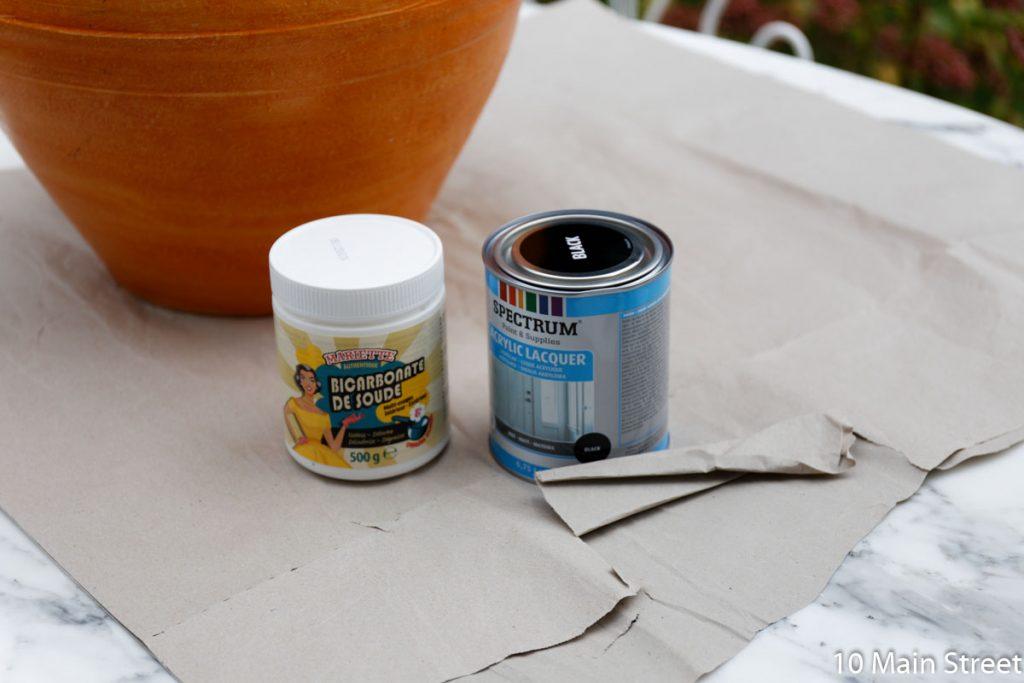 Peinture noire Action et bicarbonate de soude