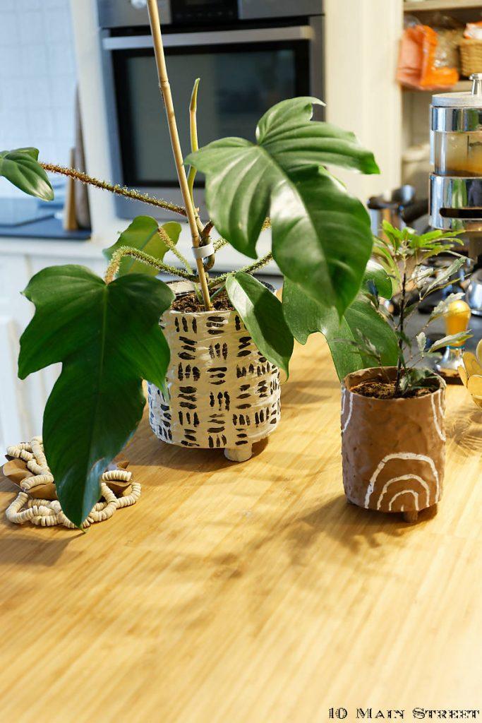 Cache-pots boho réalisés à partir de conserves recyclées