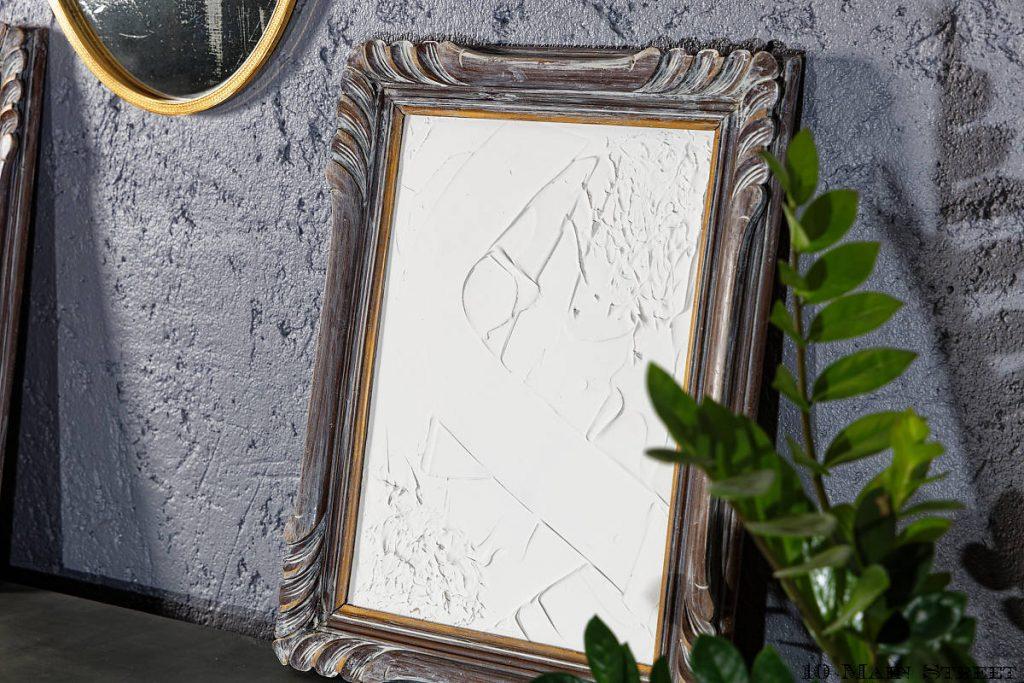 Déco murale abstraite réalisée avec un cadre de récup