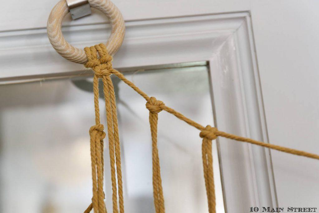 Nœuds d'alouette tous les 3 cm