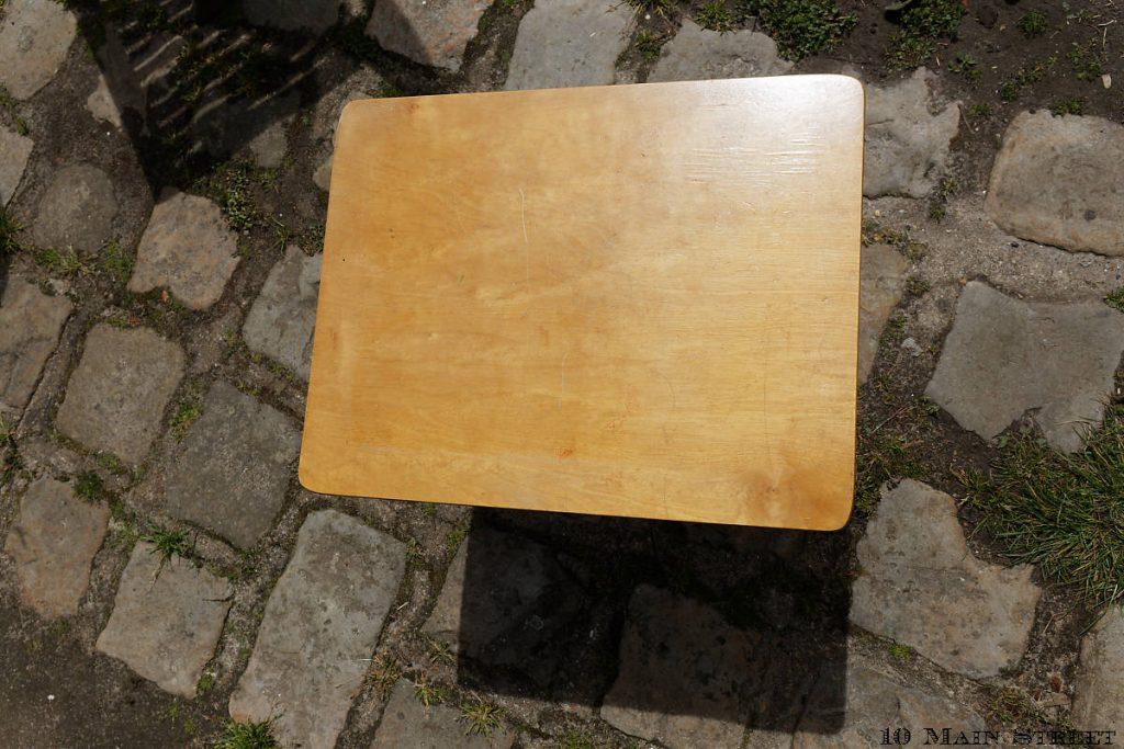 Plateau de la petite table vintage