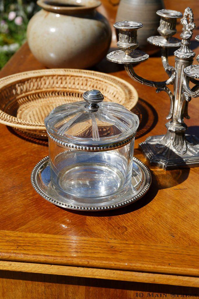 Boîte en cristal et métal argenté