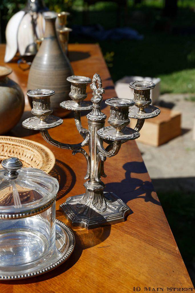 Bougeoir en métal argenté de style Louis XVI
