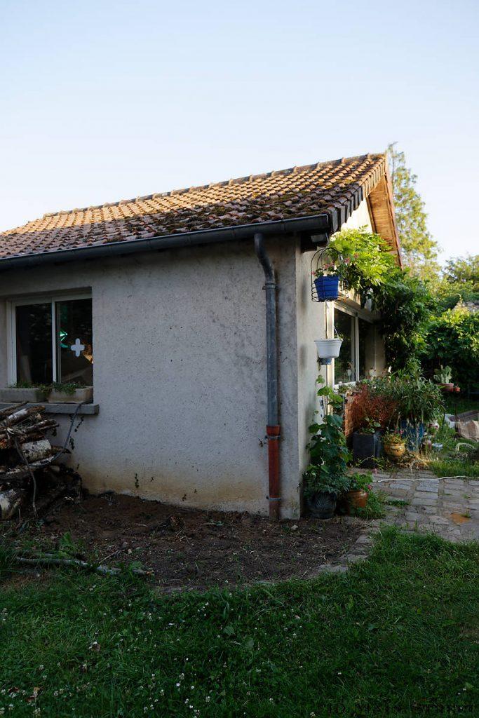 Zone de l'installation de l'abri de jardin