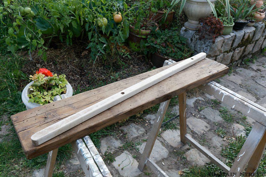 Genre de tasseau pour faire les pieds du banc à plantes