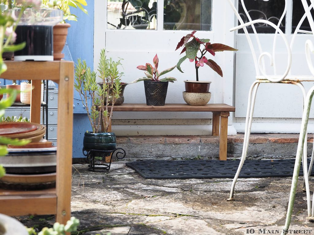 Banc à plantes en palette
