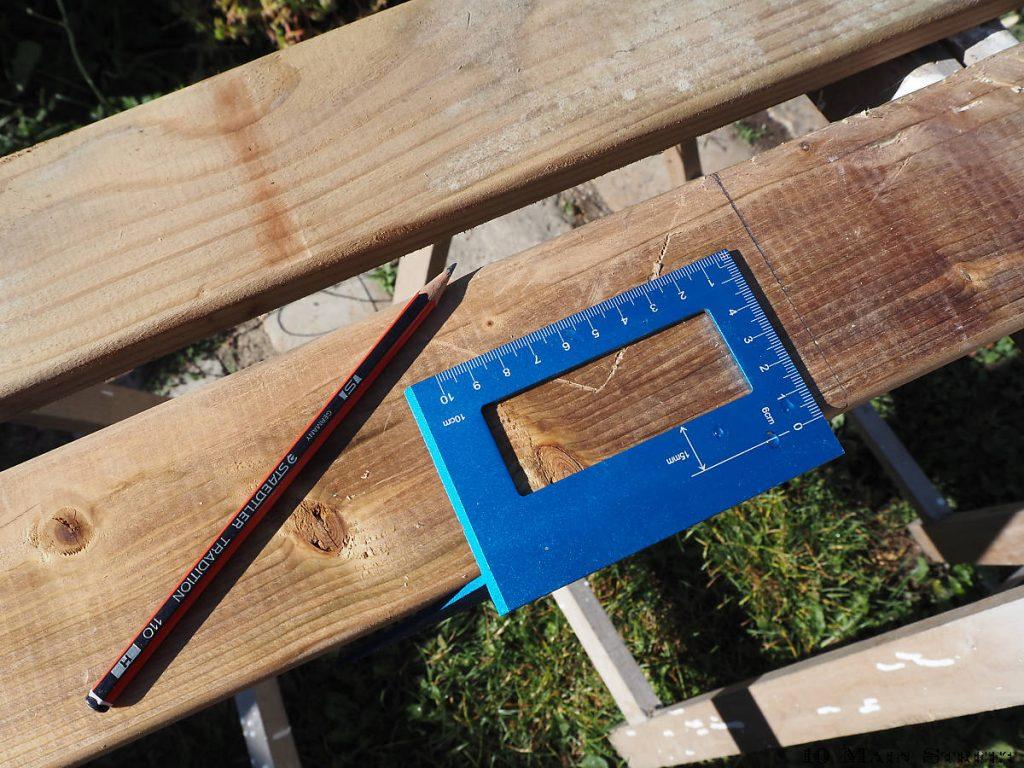 Mesures des morceaux de palette pour le plateau du banc à plantes en bois